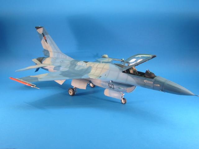 F-16 (6098)