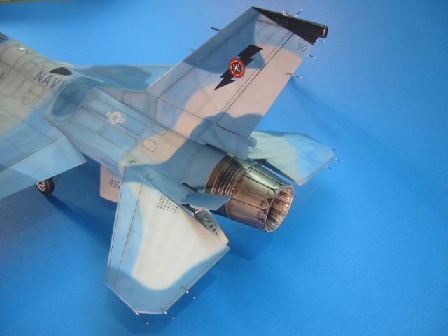 F-16 (6105)